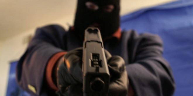 Gunman, police, idah