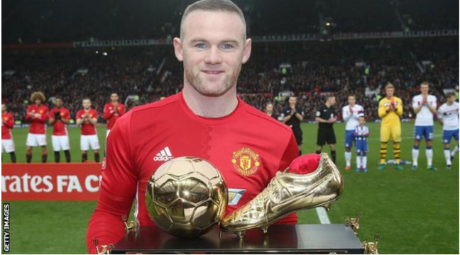 Wayne Rooney receives award at Old Trafford after breaking Man Utd's goalscoring record