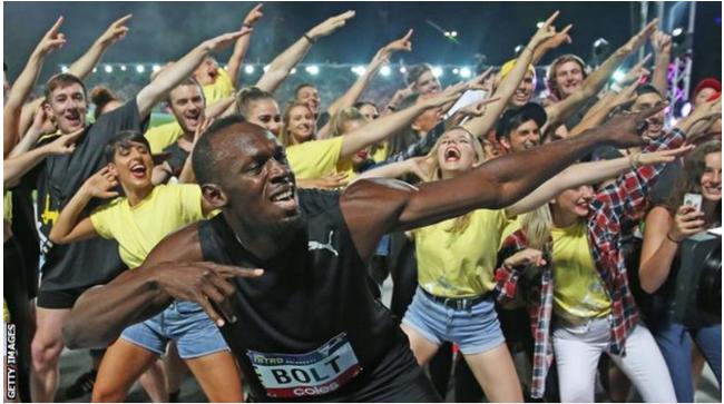 Usain Bolt and his team celebrte Nitro Athletics 150m vuctory