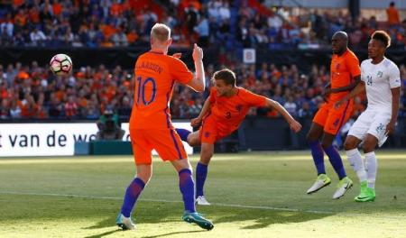 Football Soccer - Netherlands v Ivory Coast - International Friendly
