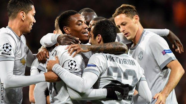 Manchester united-celebrate-vs CSKA Moscow