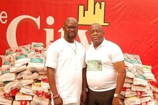 Prince Kazeem Eletu rewards fans at the City People Eventhellip