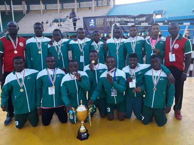 Nigeria-U18 handball Team with the trophy