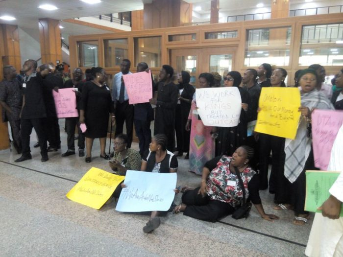 Legislative aides protest, National Assembly