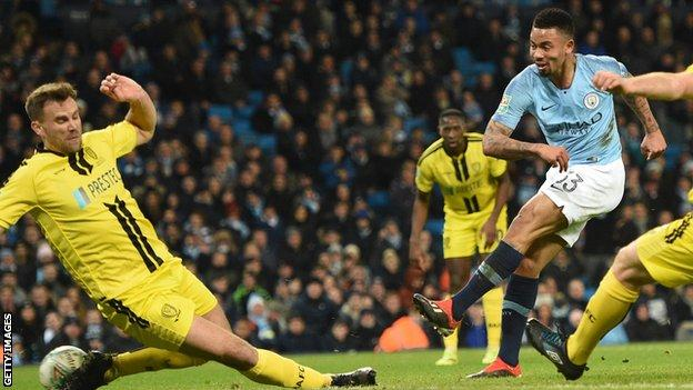 Gabriel Jesus, Manchester City, Burton,