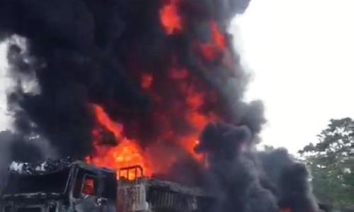 Dangote Trucks, Fire Ogun state,