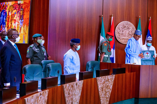 Muhammadu Buhari, OSINBAJO, Security Chiefs