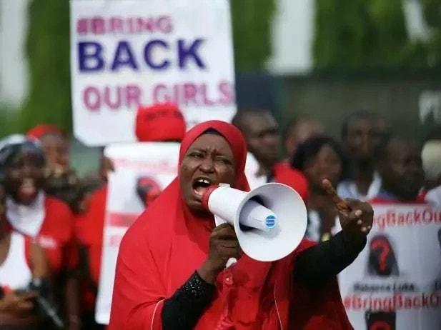 aisha-yesufu-calls-for-buharis-impeachment-says-osinbajo-lacks-presidential-powers-photos-video-1