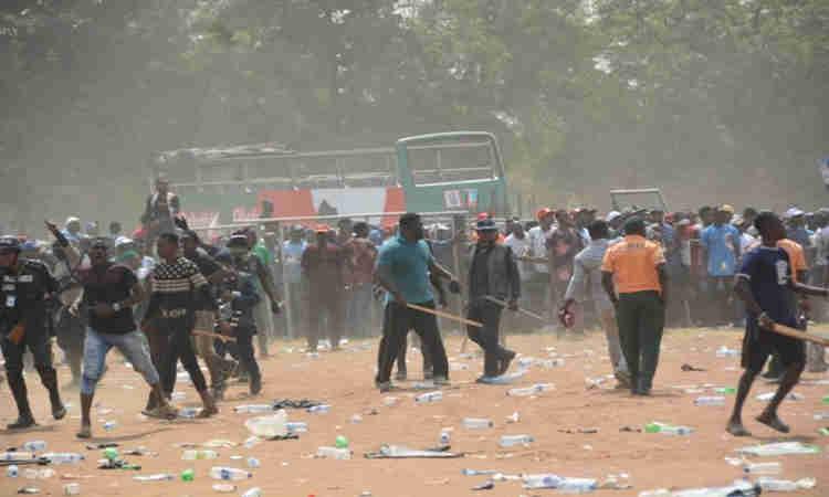 Hoodlums, Edo, Community war